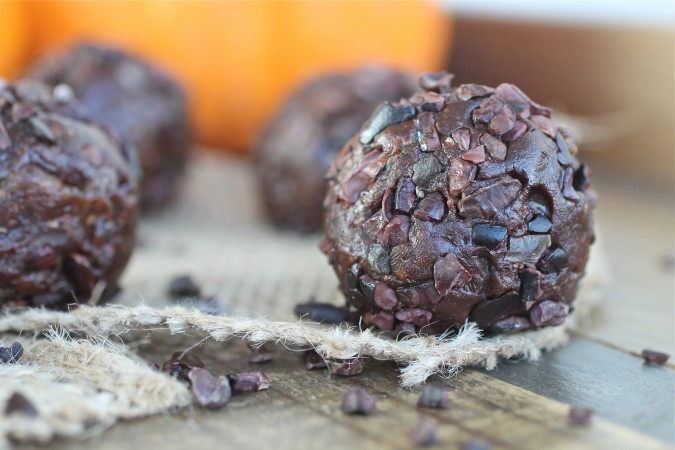 Chocolate Protein Date Balls