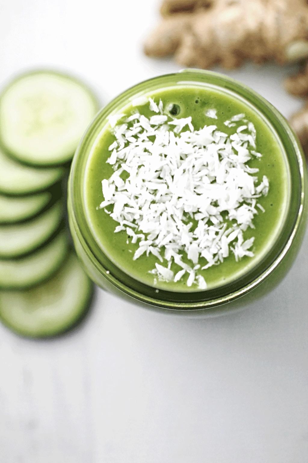 green detox smoothie spinach for breakfast. Black Bedroom Furniture Sets. Home Design Ideas