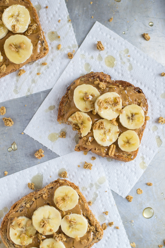 Peanut-Butter-Banana-Honey-Toast-with-Granola-Crunch