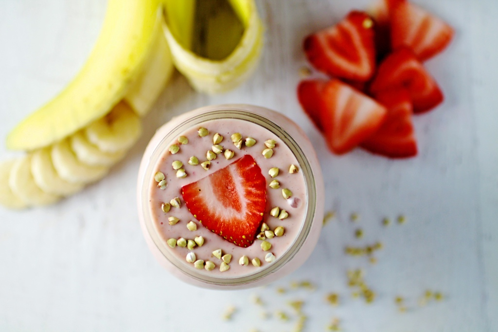 Simple Strawberry Banana Protein Smoothie